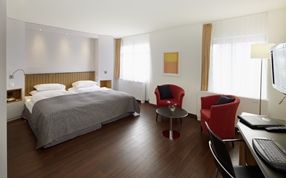 Standard double twin bed room in the Sorell Hotel Rütli Zurich